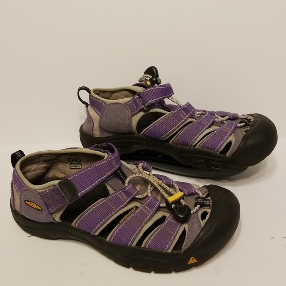 74ae021851abee Keen Shoes - Keen sandals women s shoes size 6